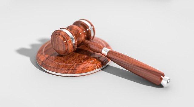 Czego musimy oczekiwać od właściwego adwokata?